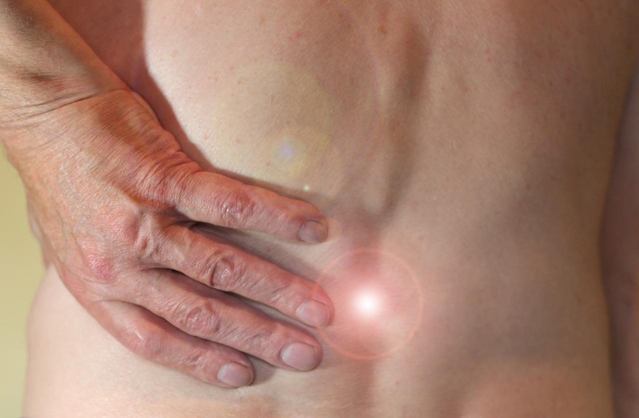 A McKenzie terápia segít megóvni gerincét a bántalmaktól